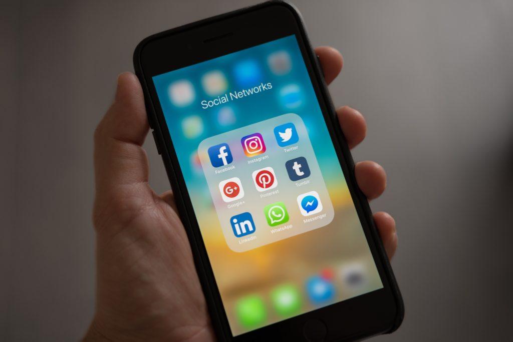 Share & promote SEO-Friendly blog posts on social media